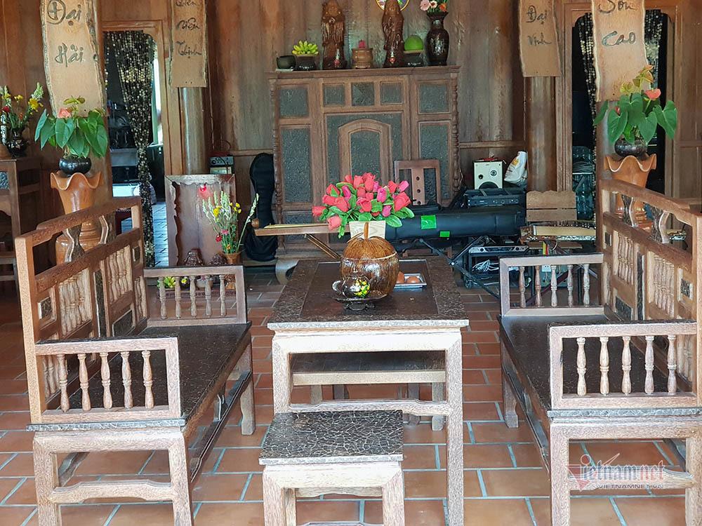 Lùng dừa trăm tuổi 10 năm, vợ chồng lão nông cất nhà độc nhất miền Tây