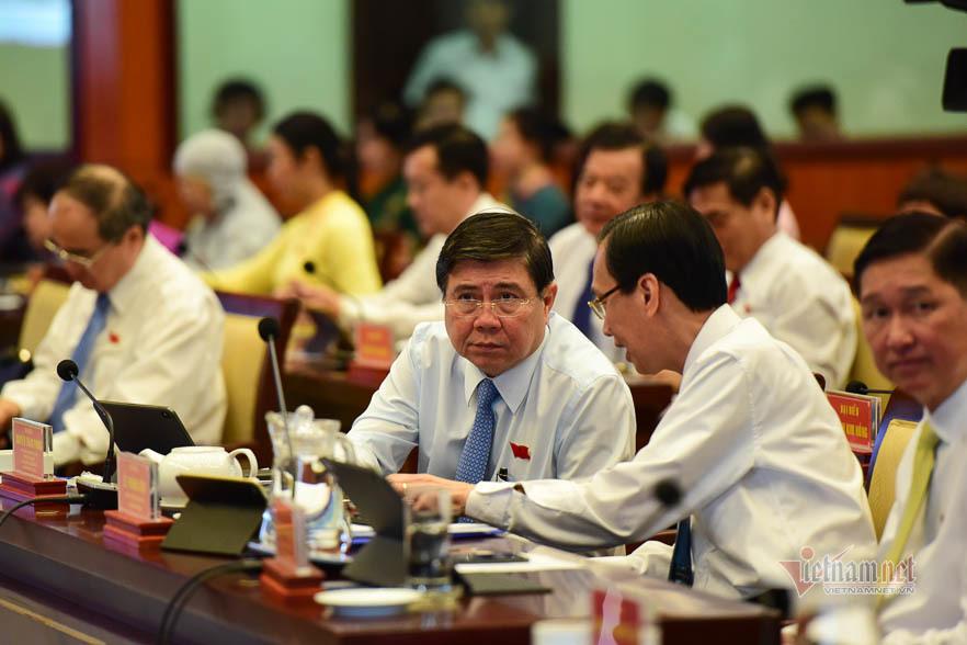 Chủ tịch TPHCM yêu cầu báo cáo việc Sở GD-ĐT nhận thù lao của NXB Giáo dục