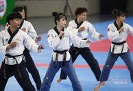 SEA Games ngày 7/12: Lê Tú Chinh hụt HCV chạy 200m