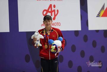 """SEA Games ngày 7/12: """"Cơn mưa Vàng"""", U22 Việt Nam vào chung kết"""