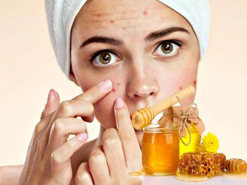Cách rửa mặt với một giọt mật ong, tạm biệt da khô ráp trong mùa hanh