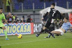 Ronaldo ghi bàn, Juventus vẫn thua ngược cay đắng