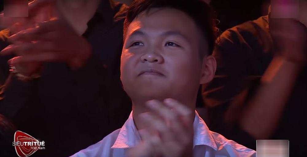 Chàng sinh viên Bách Khoa khiến trường quay vỡ òa, Tóc Tiên nổi da gà
