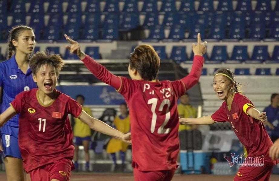 Tuyển nữ Việt Nam thắng Thái Lan lấy Vàng SEA Games: Quả cảm!