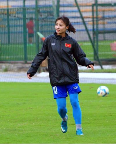 Nhan sắc 'hoa hậu' đội tuyển bóng đá nữ Việt Nam