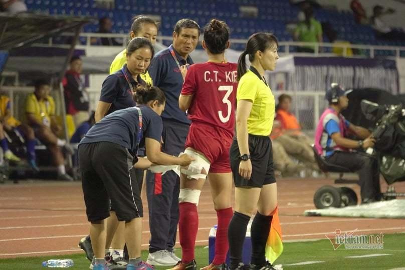 Xót xa máu và nước mắt tuyển nữ VN sau HCV SEA Games