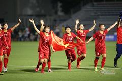Tuyển nữ đổi vé, ở lại tiếp lửa U22 Việt Nam đấu Indonesia