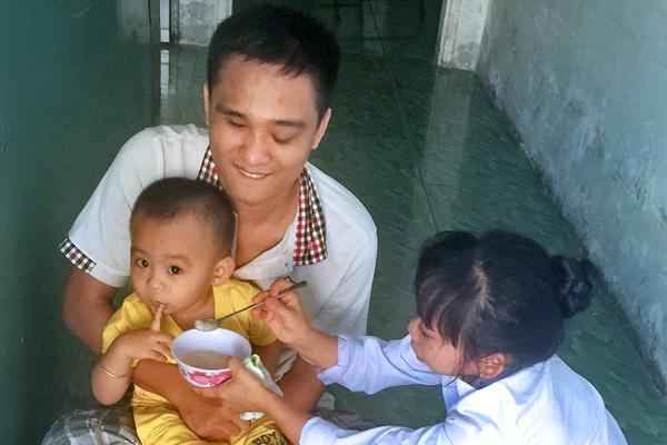Tình yêu bình dị trong tiệm mát-xa ở Tiền Giang