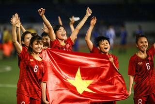 Tập đoàn Hưng Thịnh thưởng 1 tỷ đồng cho Tuyển Bóng đá Nữ Việt Nam