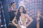 Giây phút tân hoa hậu Nguyễn Trần Khánh Vân nhận vương miện Brave Heart