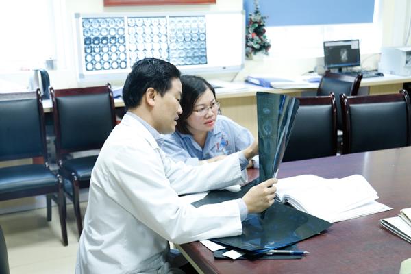 Hôn mê vì ung thư di căn não, người phụ nữ Bắc Giang sinh con khoẻ mạnh