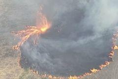 Lốc xoáy lửa kinh hoàng như cảnh từ địa ngục ở Australia