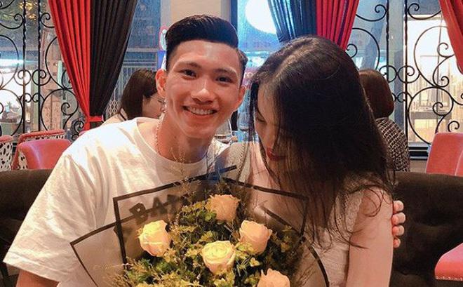 Bố mẹ Văn Hậu tiết lộ chuyện tình của con trai với bạn gái hot girl