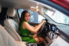 Nam Thư mua xe 2,2 tỷ đồng mừng sinh nhật