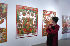 Artist gives fresh coat to traditional paintings