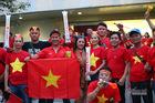 U22 Việt Nam vs U22 Indonesia: CĐV nhuộm đỏ Rizal Memorial