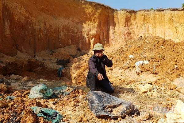 Bộ TN&MT vào cuộc vụ hóa chất chôn trái phép ở Sóc Sơn