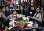 Nhà Đức Chinh, Văn Toản làm 40 mâm cỗ cổ vũ U22 Việt Nam