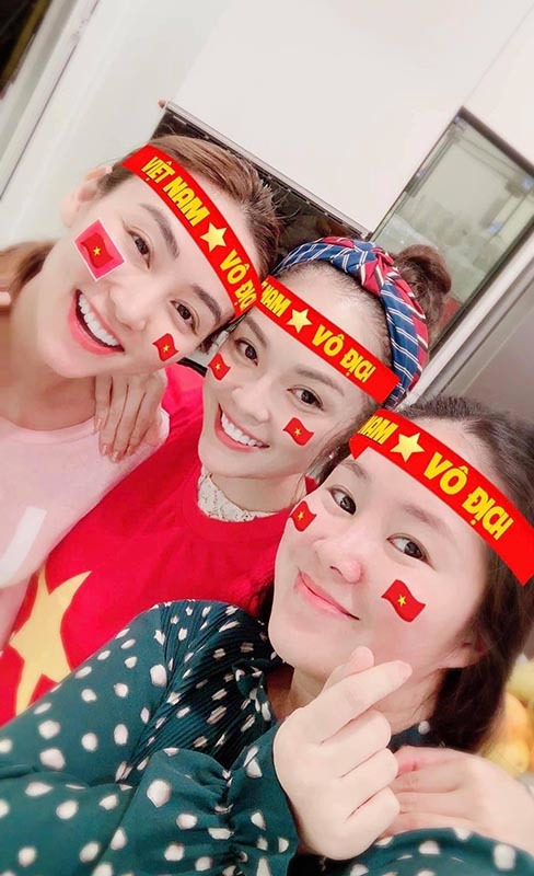 Sao Việt 'vỡ tim', bão thâu đêm mừng tuyển Việt Nam giành HCV SEA Games