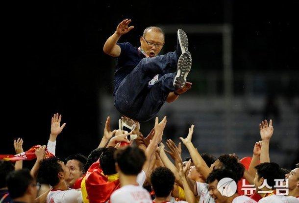 Báo Hàn: U22 Việt Nam có vũ khí lợi hại, thầy Park mưu là thành