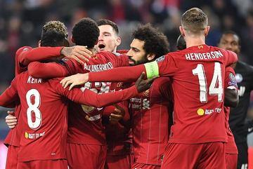 Salah tỏa sáng, Liverpool giành vé vòng 1/8 Cup C1 với ngôi đầu