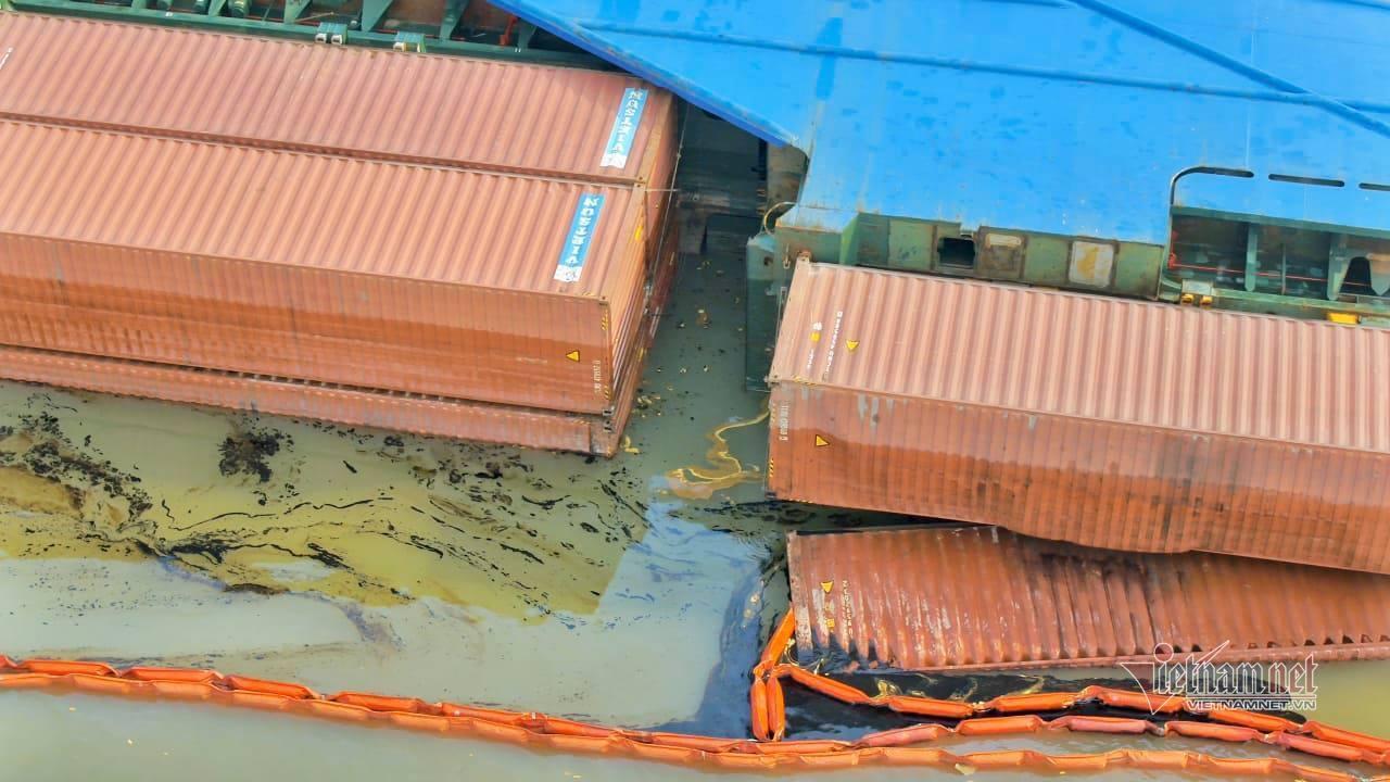 Trục vớt tàu chìm ở Cần Giờ, 3 thợ lặn mất tích, 2 người nguy kịch