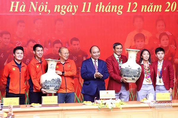 HLV Park Hang Seo: Tôi xin gửi vinh quang này cho người dân Việt Nam