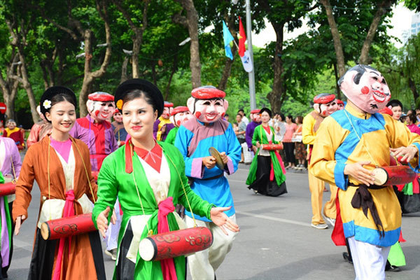 Folk festival in downtown Hanoi