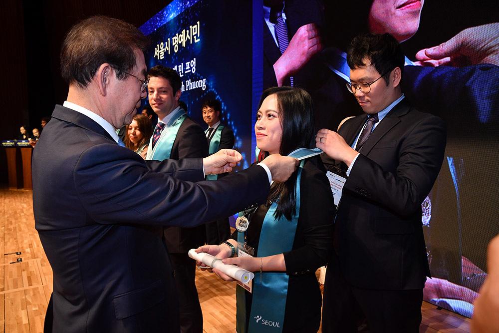 Người phụ nữ Việt được vinh danh 'Công dân danh dự của Seoul 2019'
