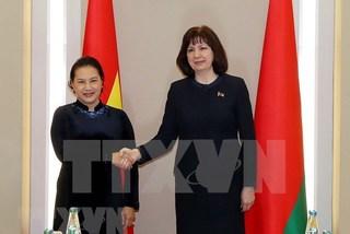 Vietnam, Belarus's top legislators hold talks