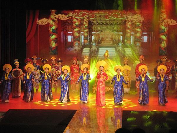 Ao Dai show to debut in Da Nang