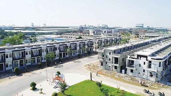 VN real estate firms struggle to find 'clean' land
