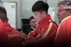 U23 Việt Nam đổ bộ Nội Bài giữa đêm, theo thầy Park 'về nước'