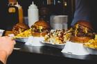 7 chiêu nhà hàng hay dùng khiến khách chi nhiều tiền hơn