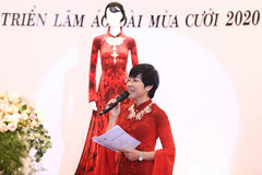 MC Thảo Vân duyên dáng trong Triển lãm áo dài cưới 2020