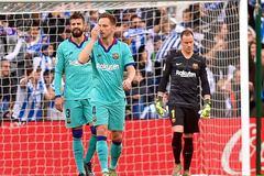 """Messi im tiếng, Barca nguy cơ bị Real """"cướp"""" ngôi đầu"""