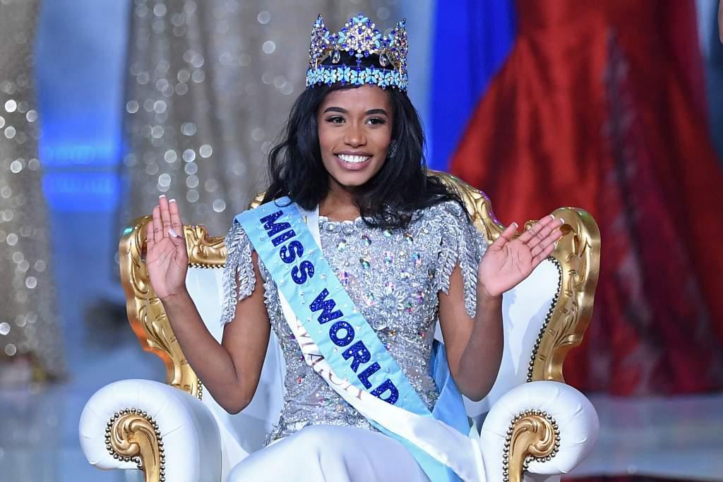 Giọng hát lay động của tân Hoa hậu Thế giới chỉ cao 1,67m