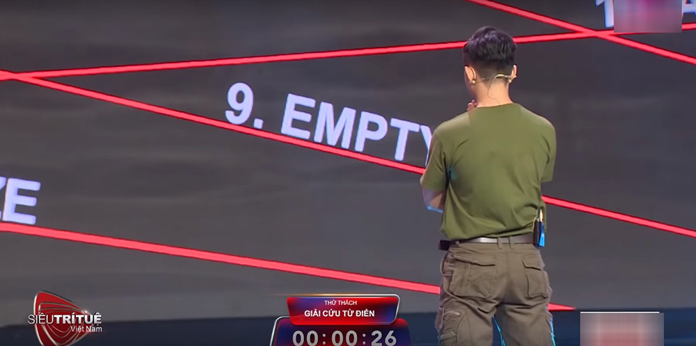 Lại Văn Sâm ngạc nhiên trước màn 'cảm tử phá bom' ở Siêu trí tuệ Việt Nam