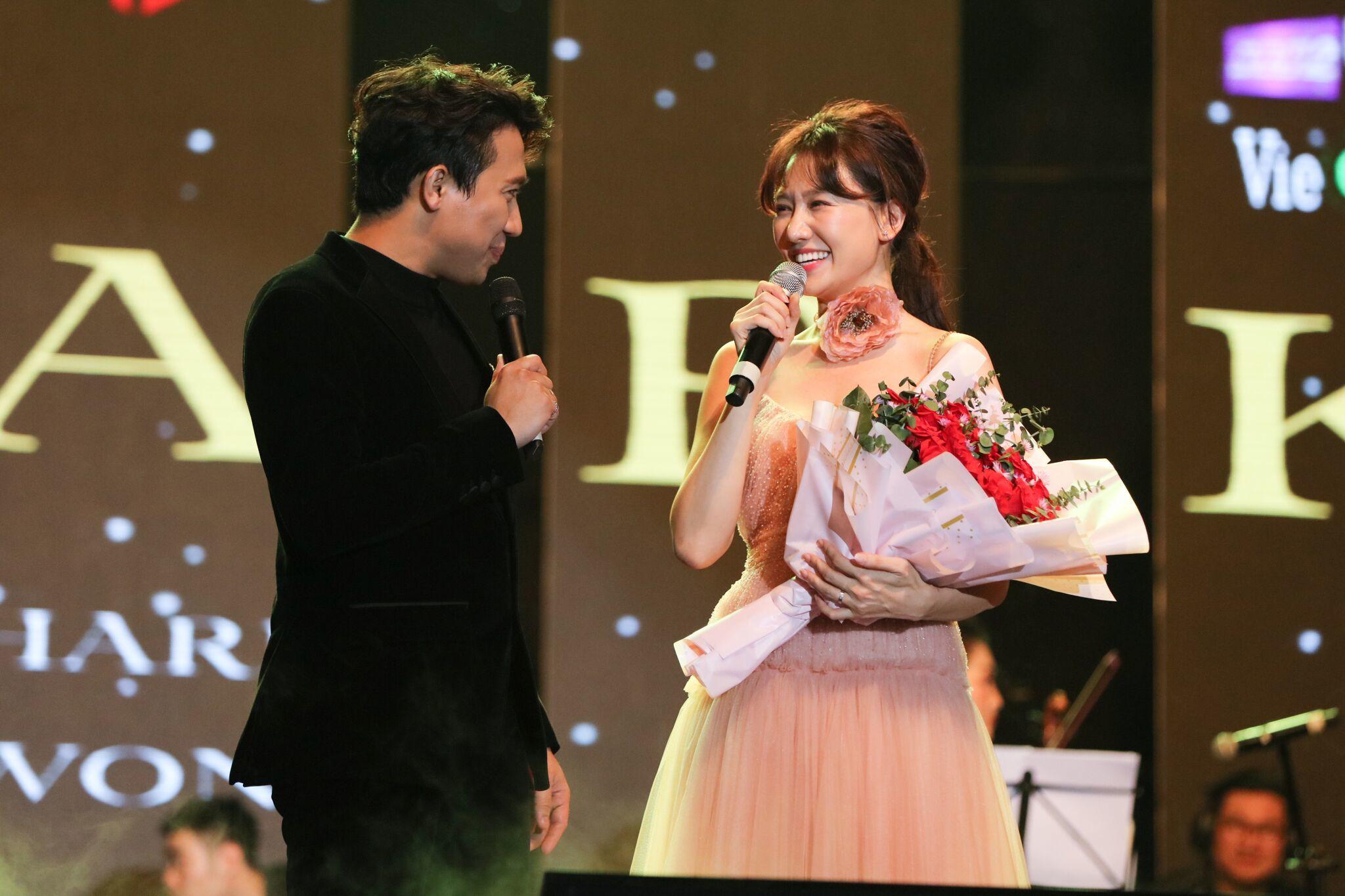 So Hyang,Trấn Thành,Hari Won,Hồ Ngọc Hà,Khánh Hà,Hà Trần,Tuấn Ngọc