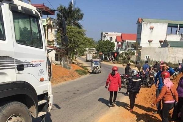 Thanh niên lái xe máy tông trực diện xe tải, tử vong tại chỗ