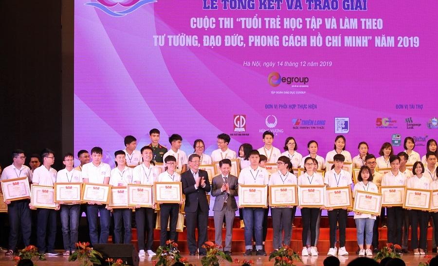 Trao giải cuộc thi 'Học tập và làm theo tư tưởng, đạo đức, phong cách Hồ Chí Minh'