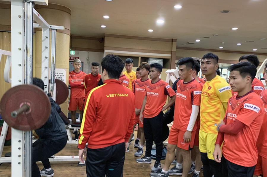 U23 Việt Nam luyện công cả ngày chờ đấu giải châu Á