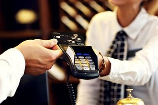 VN banks issues more chip cards for security