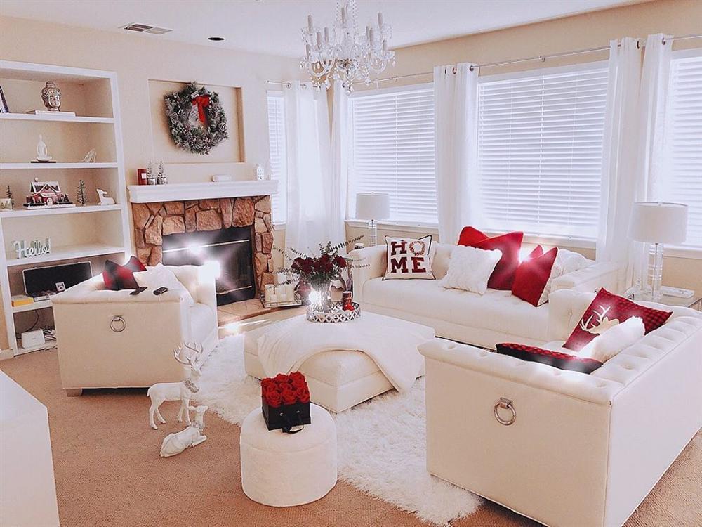 Biệt thự lung linh, ngập hoa đón Noel của Phạm Hương tại Mỹ