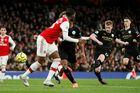 Man City đè bẹp Arsenal nhờ cú đúp của De Bruyne