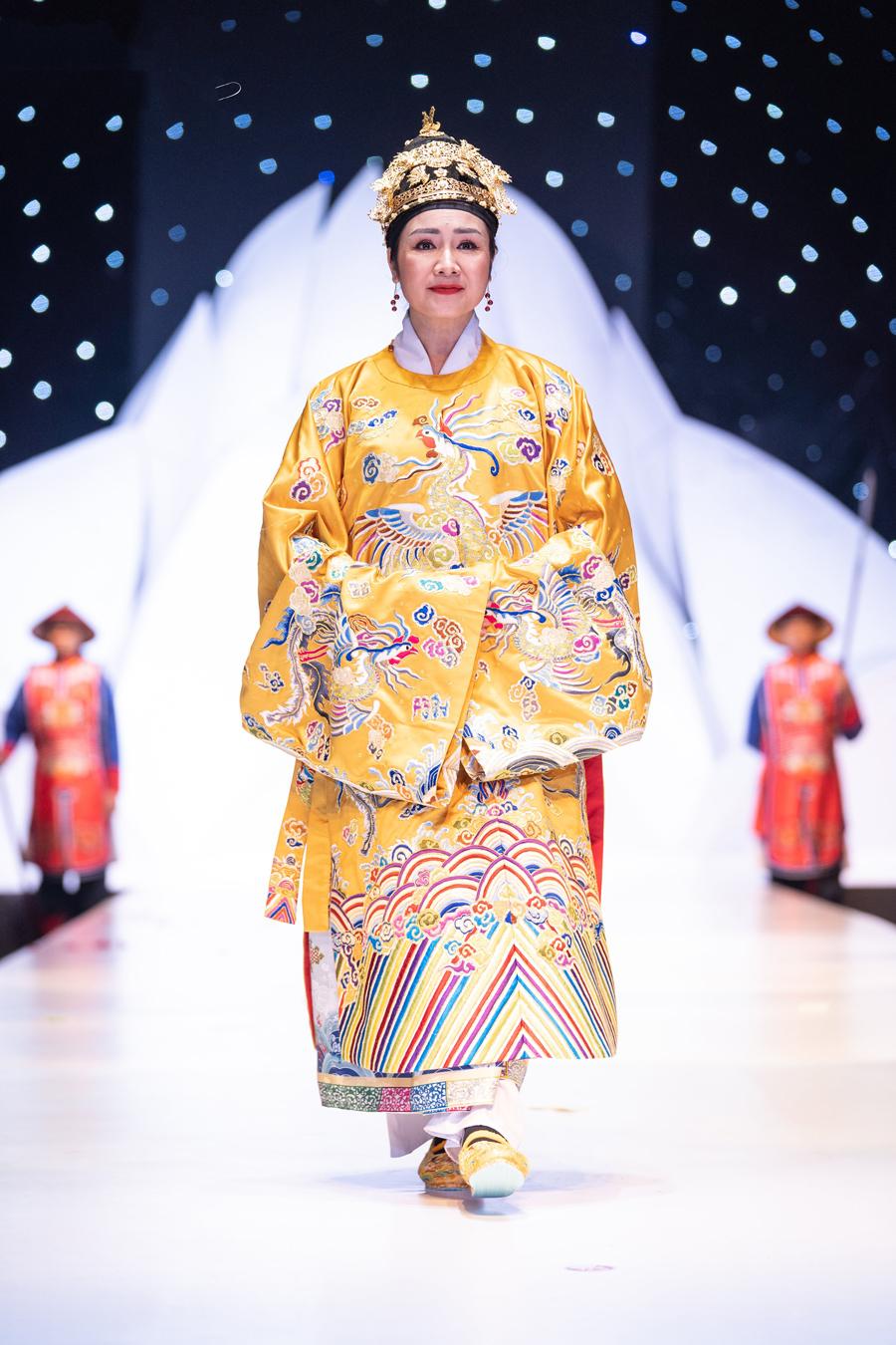NSND Thu Hà,NSND Hoàng Cúc,NSND Lan Hương,NSƯT Chiều Xuân