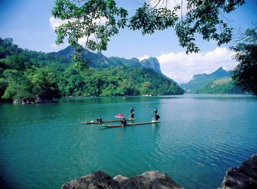 Ba Be Lake, a jade of Vietnam's northeastern mountains