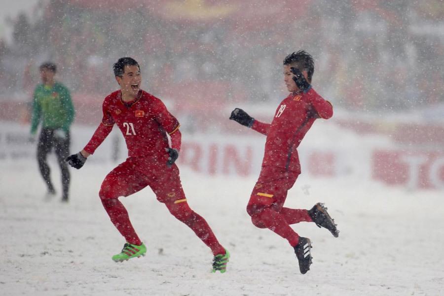 'Cầu vồng tuyết' của Quang Hải vào top biểu tượng U23 châu Á