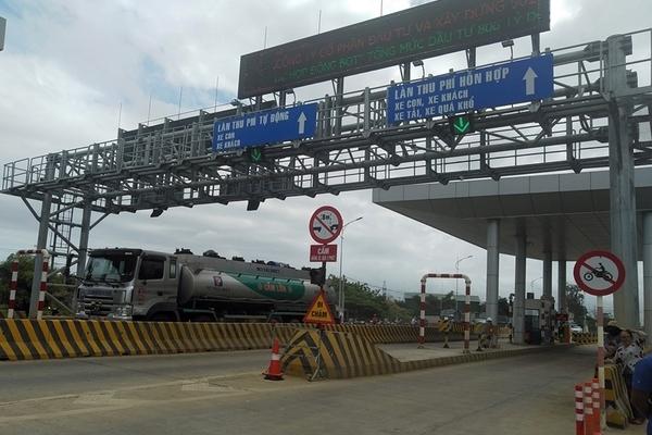 Ngày đầu thu phí, BOT Ninh Xuân buộc phải xả trạm