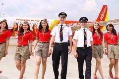 Có bao nhiêu người đứng sau mỗi chuyến bay an toàn?